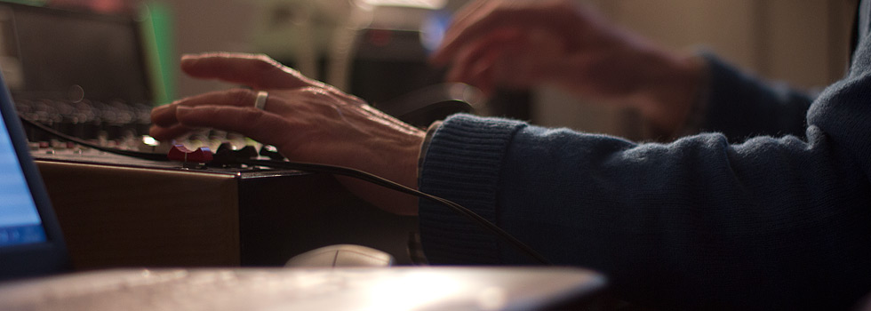 Hand slider